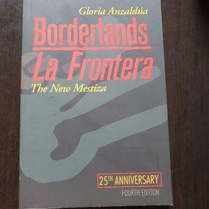 Borderlands by Gloria  anzaldua
